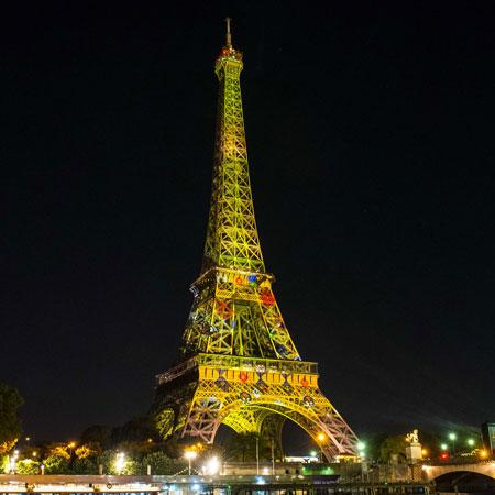نور پردازی سالگرد برقراری ارتباط رسمی بین ژاپن و فرانسه